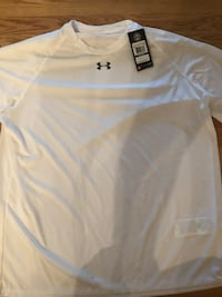 White Under Armour Men's Locker T-Shirt(size XL) Towson, 21204