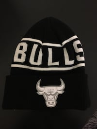 black and white Chicago Bulls knit cap
