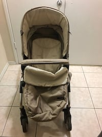 icoo stroller with footmuff and car seat adapter,reversible, clean, almost new and it's can as a bassinet 543 km