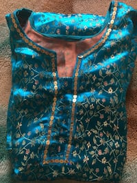 """Only tops Blue is Size M 39"""" other Large size 46"""" 20$ 25$  Markham, L3S 3Y9"""