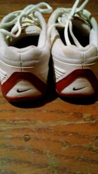 Red and white Nike tennis shoes size 7.5 women's  Little Rock, 72211