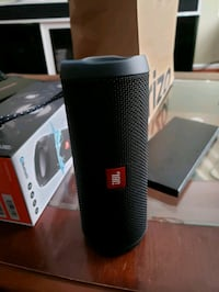 black JBL portable speaker with box Silver Spring, 20906