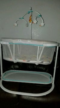baby's white and gray bassinet Highland, 92346