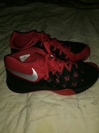 pair of black-and-red Nike basketball shoes Regina, S4P 1M6