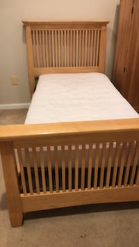 Bed Frame with  matress Mount Airy, 21771