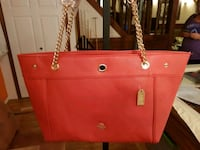 Red leather COACH purse Winnipeg, R3X 1C6