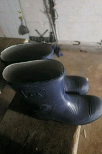 pair of black leather clogs Morristown, 37814