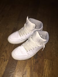 Pair of white nike air force 1 high Lakewood, 98499