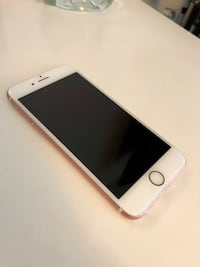 iPhone 6S Rose Gold 32 GB North Vancouver, V7M 1J8