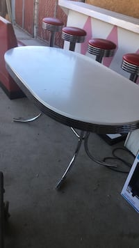 50s table Los Angeles, 91605