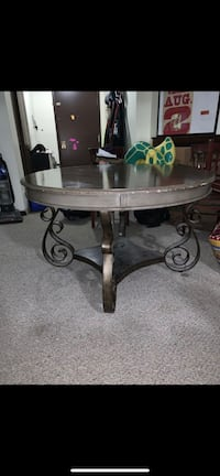 Table perfect condition