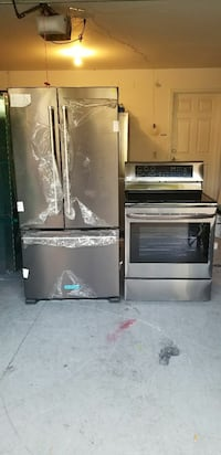 Black stainless.. fridge and stove new. Tampa, 33612
