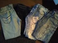 4 pair of guy jeans