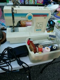 Sewing Machine with Acessories