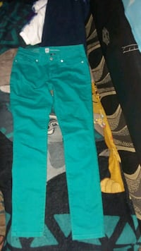 Jeans size 4 Los Angeles, 91342
