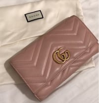 Gucci wallet 100% authentic  org$790 100%New