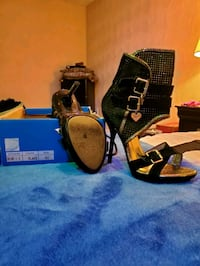 6.5 black with gold heels Norfolk, 23513