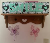 Hand painted wooden smile sign 291 mi