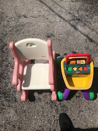 toddler's pink and white rocking chair Miami Gardens, 33056