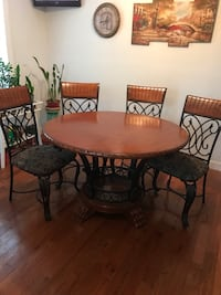 Table 4 chairs Archdale, 27263