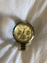 Michael kors resin/gold watch Montreal, H3C 1L4