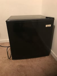 Mini refrigerator with freezer  Bakersfield, 93309