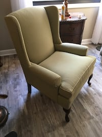 Thomasville  like new wingback armchair  (1)-PRICE SLASHED for immediate sale ! Vernon Hills, 60061