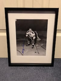 Boston Bruins Woody Dumart Signed and framed photo Châteauguay, J6K 2A7