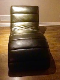 Black Polyester Padded Chair
