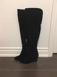 Black suede thigh highs - size 7 Mississauga, L5M 4E1