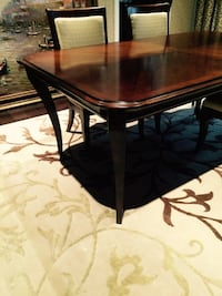 High End Solid Walnut Dining Room Set-Bassett *lighting is not the best scroll to view all pictures Brampton, L6T 5E7