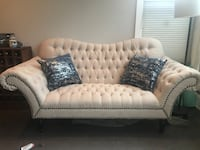 $400 Loveseat Washington, 20002