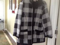 Black and white jacket zip up  Fort Erie