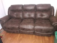 New brown reclining couch. All seats  recline Brandywine, 20613