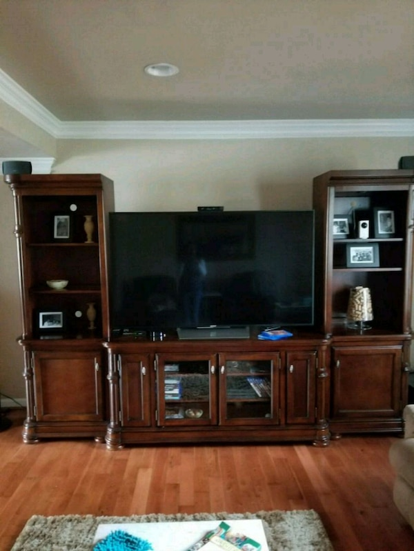TV Stand. 3 separate pieced