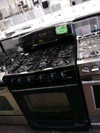 GE gas stove and electric oven working perfectly