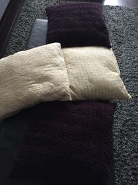 PILLOWS FOR SALE  545 km