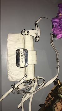 White guess leather crossbody bag Montreal, H1M