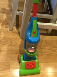 Toy vacuum, , works well $10 Toronto, M6R 1Z7