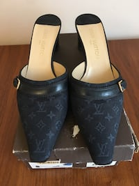 Louis Vuitton Authentic Navy shoes Howell, 07731
