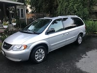 2004 CHRYSLER Town and Country Touring Platinum- 91,211 Miles Cabin John, 20818