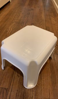 Rubbermaid Stepping Stool Easton, 06612