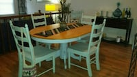 Dining room table and six chairs Woodbridge, 22192