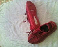 pair of red Adidas Yeezy Boost 350 V2's 8 Eau Claire, 54703
