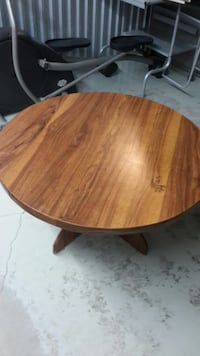 Round Wooden Table Mississauga, L5M