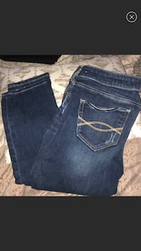 Abercrombie jeans size 25 waist by 31 length  Commack