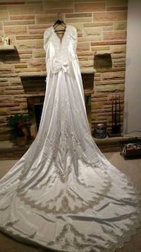 white floral lace long sleeve wedding dress Tiffin, 44883