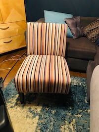 Multi color accent chair like new