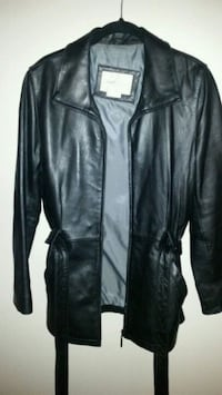 WOMEN'S VANHUESAN LEATHER JACKET  Allentown, 18104