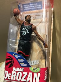 DEMAR DEROZAN TORONTO RAPTORS COLLECTIBLE TOY NBA VERY RARE BASKETBALL Vaughan, L4H 1L8